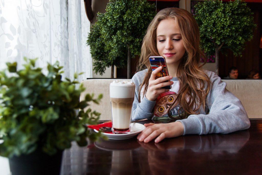 ההשפעות החיוביות והשליליות של אפליקציית טיק טוק