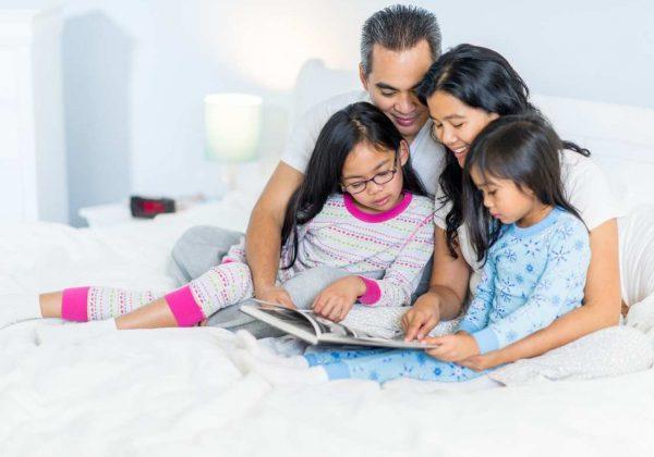 .סוף טוב, הכל טוב: למה כדאי להקריא סיפורים לילדים לפני השינה?